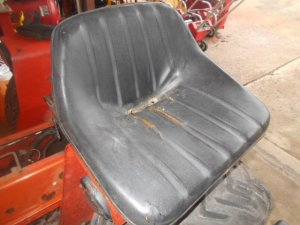 620 Tractor Seat