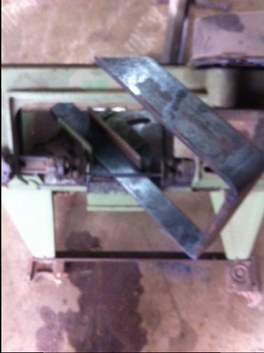 cutting angle on uprights.jpg