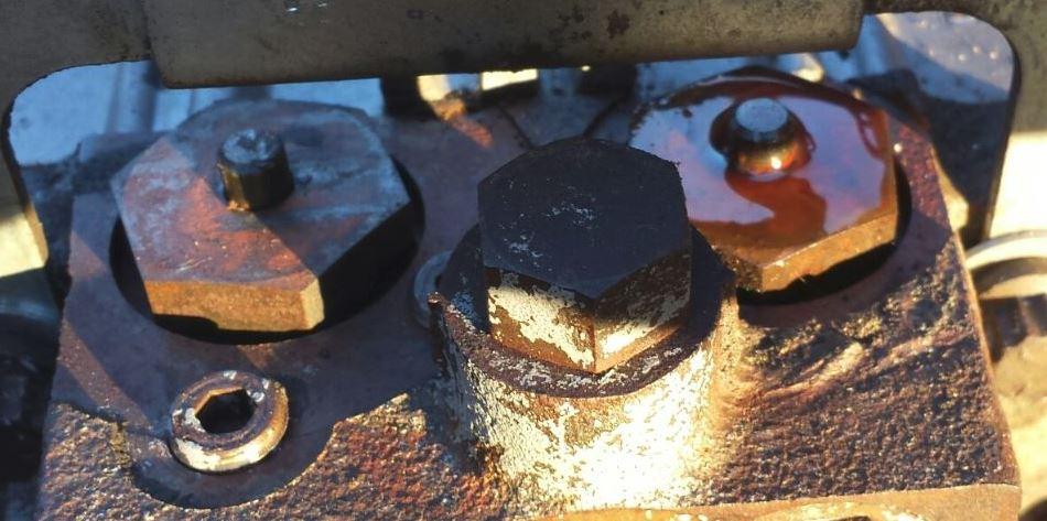 hydro pump check valve 2.JPG
