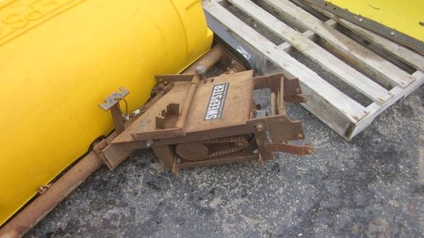 Sweepster AC 400 hitch.jpg