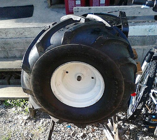 tire_on_ axle2.jpg