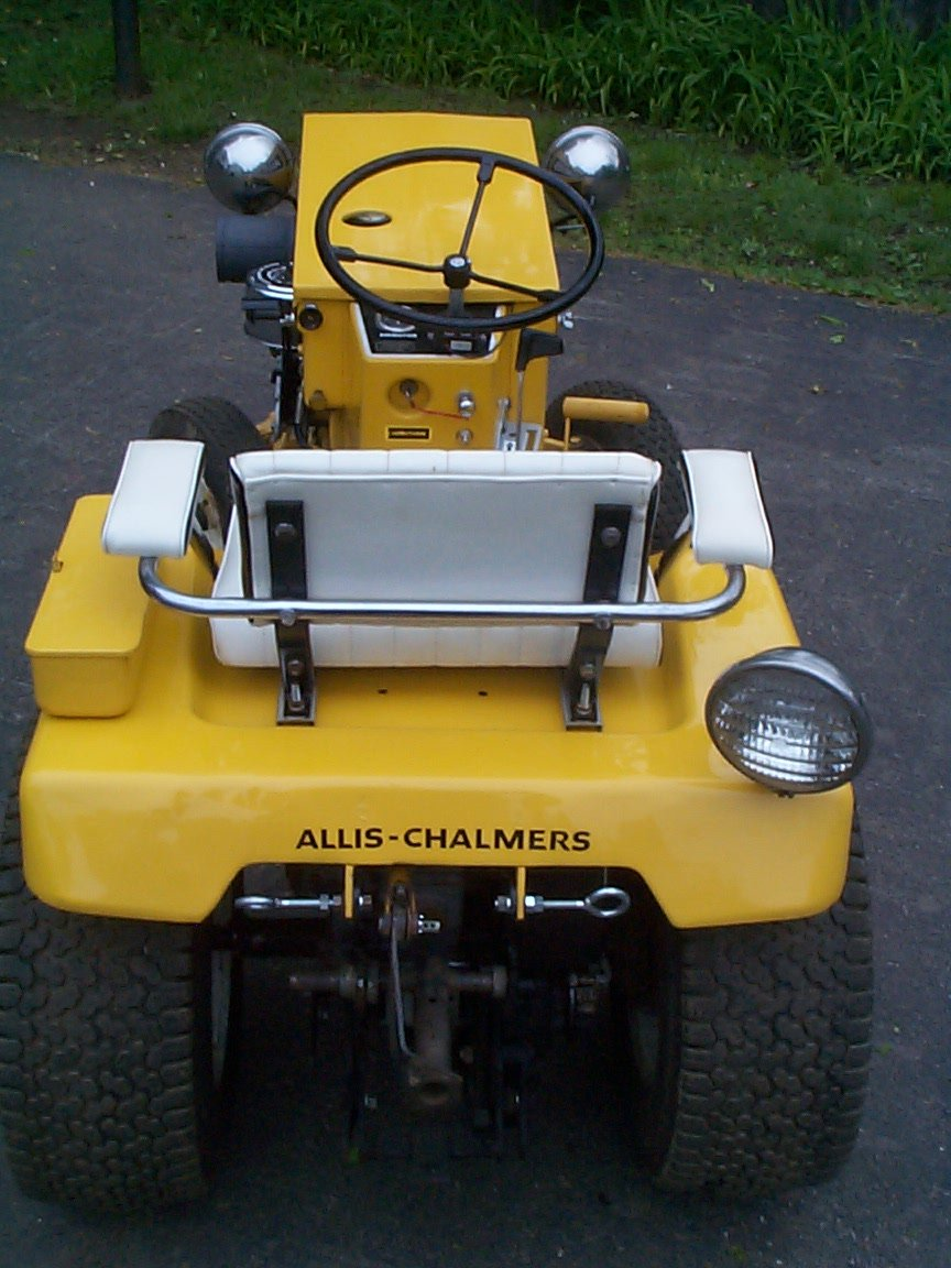 allis-chalmers-b-210_62818045_o.jpg