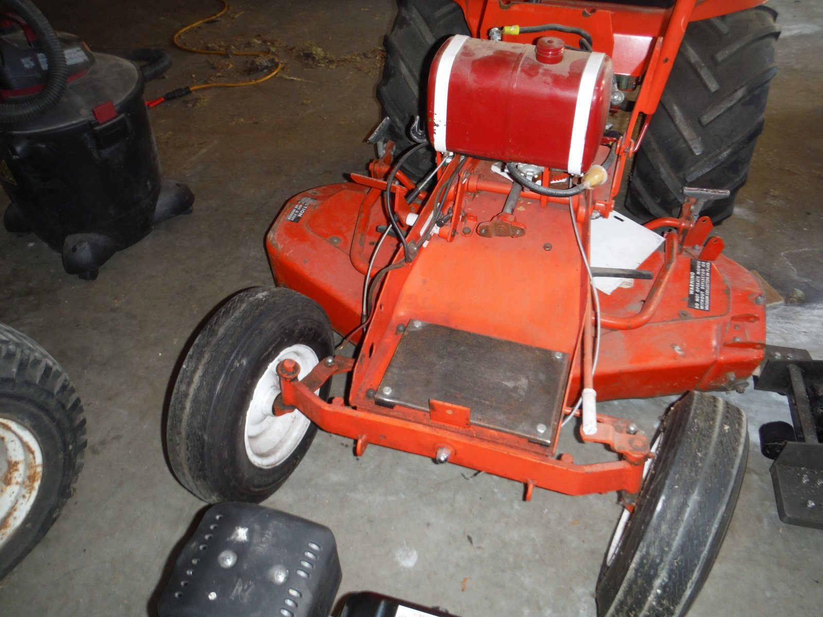Predator engine swap - Talking Tractors - Simple trACtors