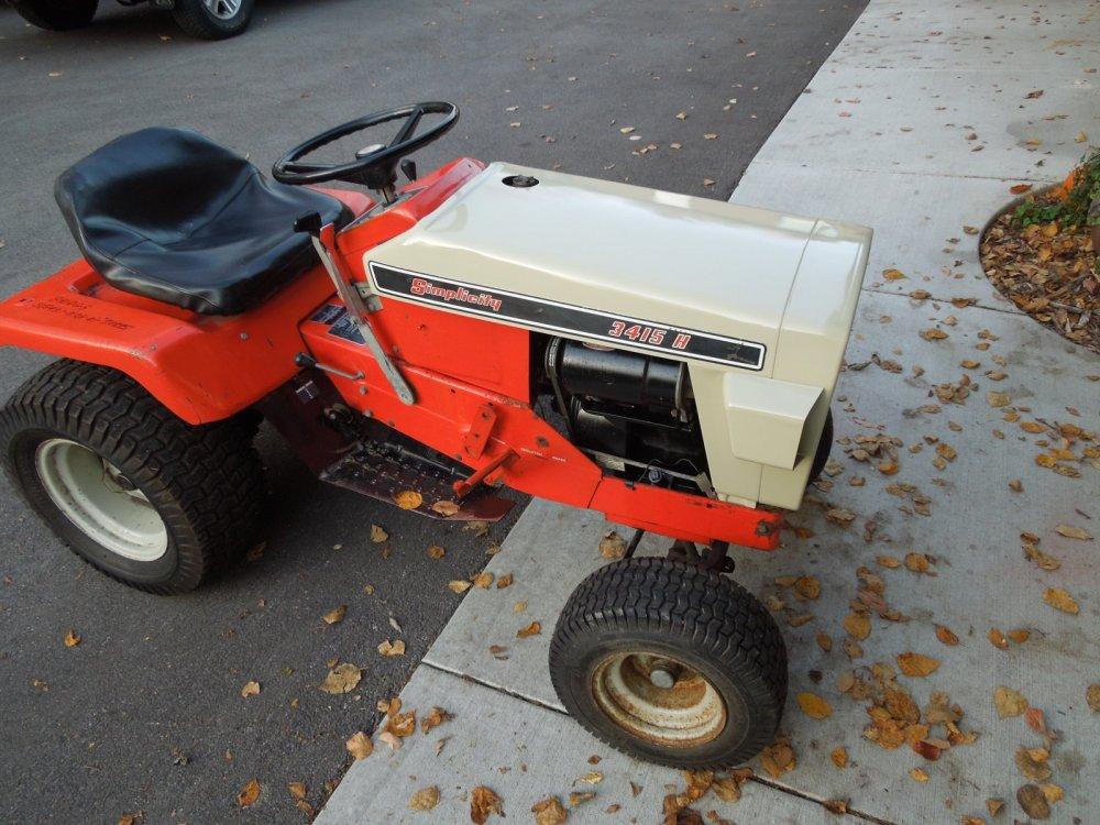 parts tractor 005.JPG