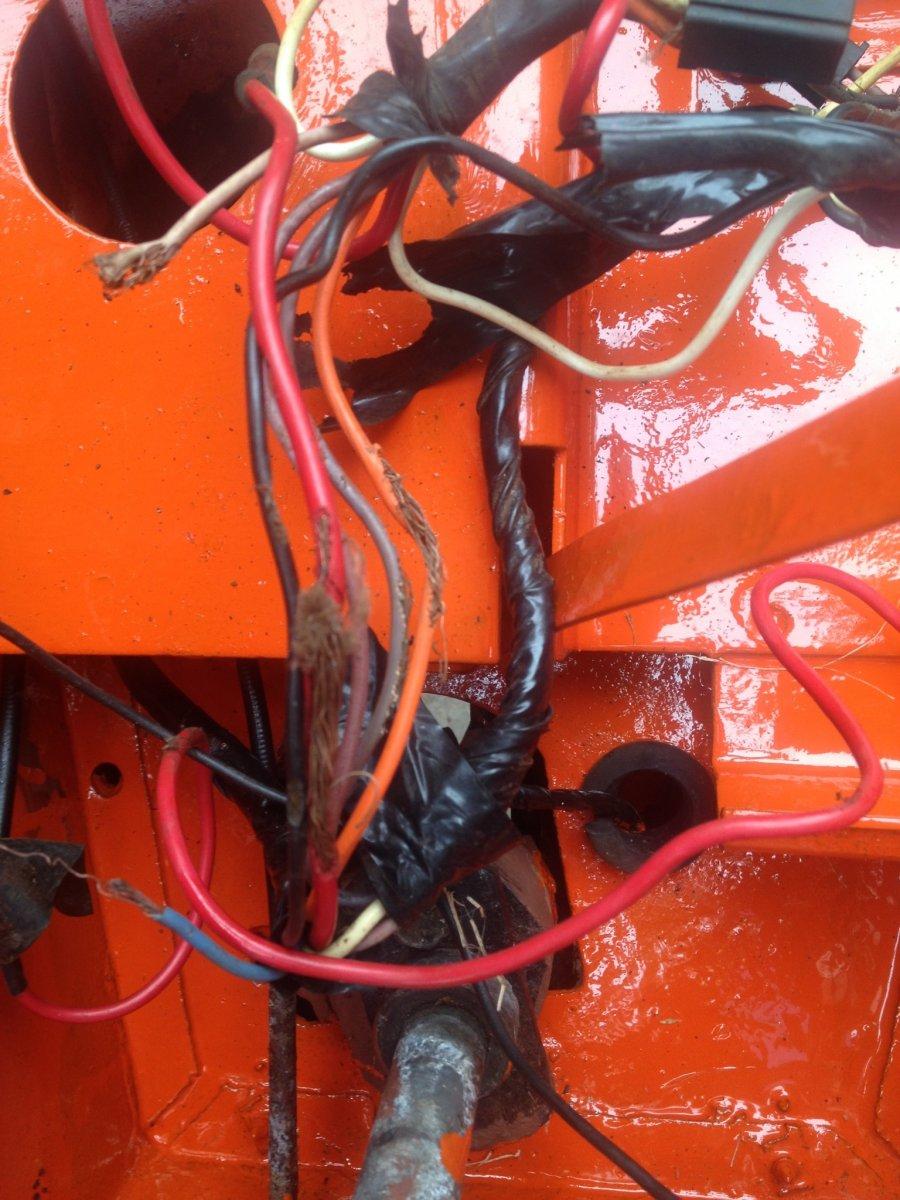 Bad wires, were rubbing on steering column